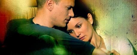favourite && best of them: season 1: First Kiss,saving Sara from prisoners season 2:Chicago kiss&&hug