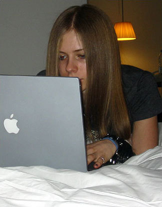 Well actually i don't have avril on computer i have a pic of avril on laptop! Well i want a pic o