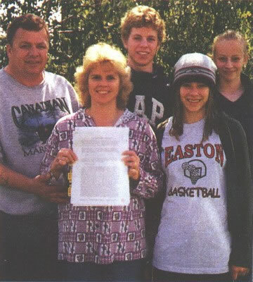 here is pic of her with her whole family i want a pic of her 20th birthday :)