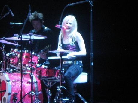 Okay here आप go :) I want a pic of Avril in a skirt.