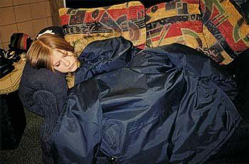 here :) i want a pic of Avril yawning.