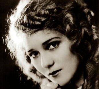 <u>Mary Pickford:</u>