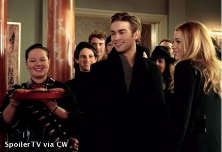 Is this ok? Serena and Nate in 1x06