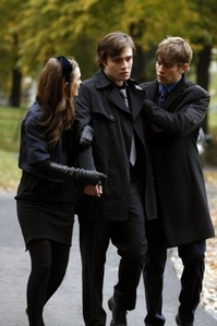 and heres Chuck sad :( Serena and Nate In Blairs perra Project