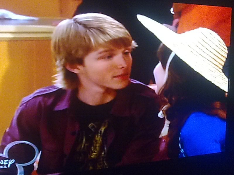 are sonny and chad dating in with a chance