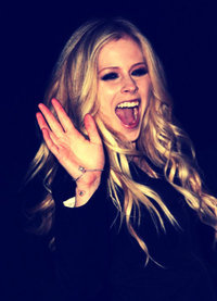 Avril is the best damn thing her música goes under my skin lets go to her concierto i am so happy tha