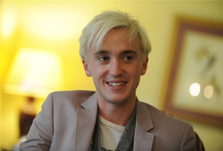 tom feltons smile is just A-MAY-ZING!