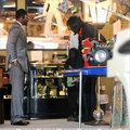 2006 - 2008 > Various > Michael shopping at Off The Wall - michael-jackson photo