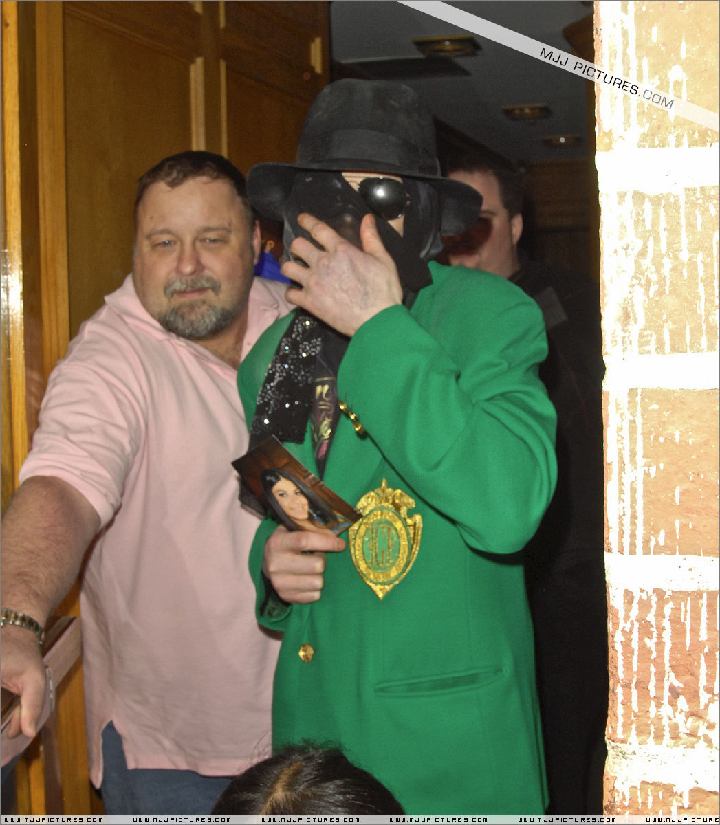 2009 > Various > Michael visits doctor