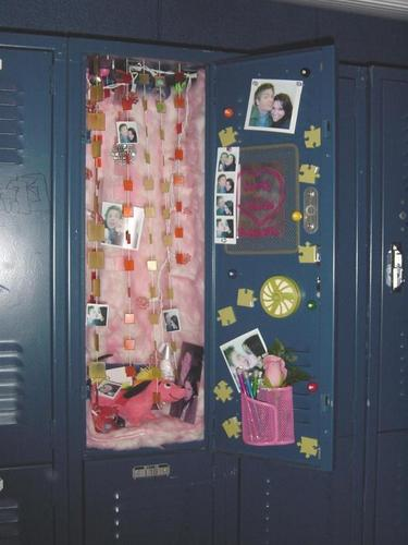 BL LOCKER - brucas Photo