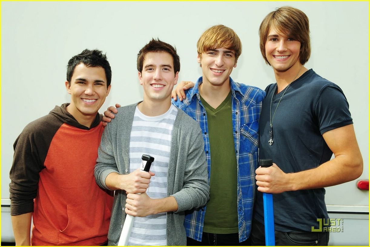 Big Time Rush- Hockey