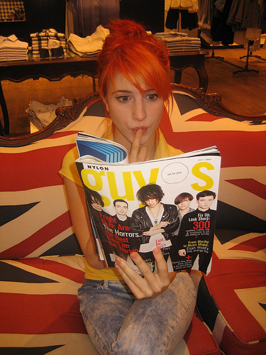 hayley williams hairstyle. hayley williams haircut.