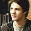 Información de los personajes cannon {The Vampire Diaries} Jeremy-jeremy-gilbert-10033800-100-100