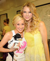 Kellie And Taylor - kellie-pickler photo