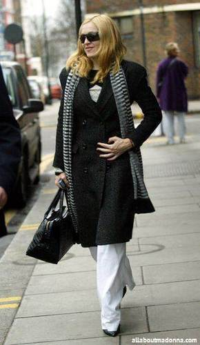 Madonna In Londres (January 21 2004)