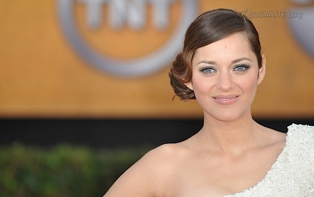 Marion Cotillard wallpaper titled Marion Cotillard @ SAG Awards 2010