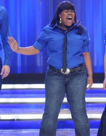 """Mercedes in """"Somebody to love"""""""