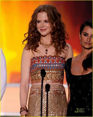 Nicole @ 2010 SAG Awards
