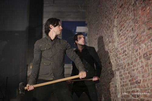 Heroes wallpaper called Promotional Stills 4x18 - THE WALL