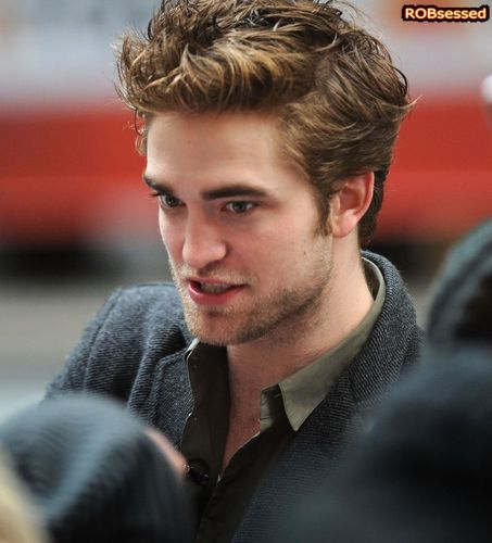 Robert Pattinson in NYC Nov 19th 2009