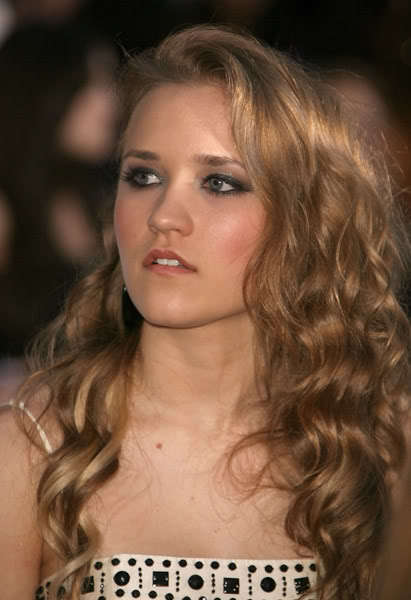 Emily osment emily osment photo 10027143 fanpop