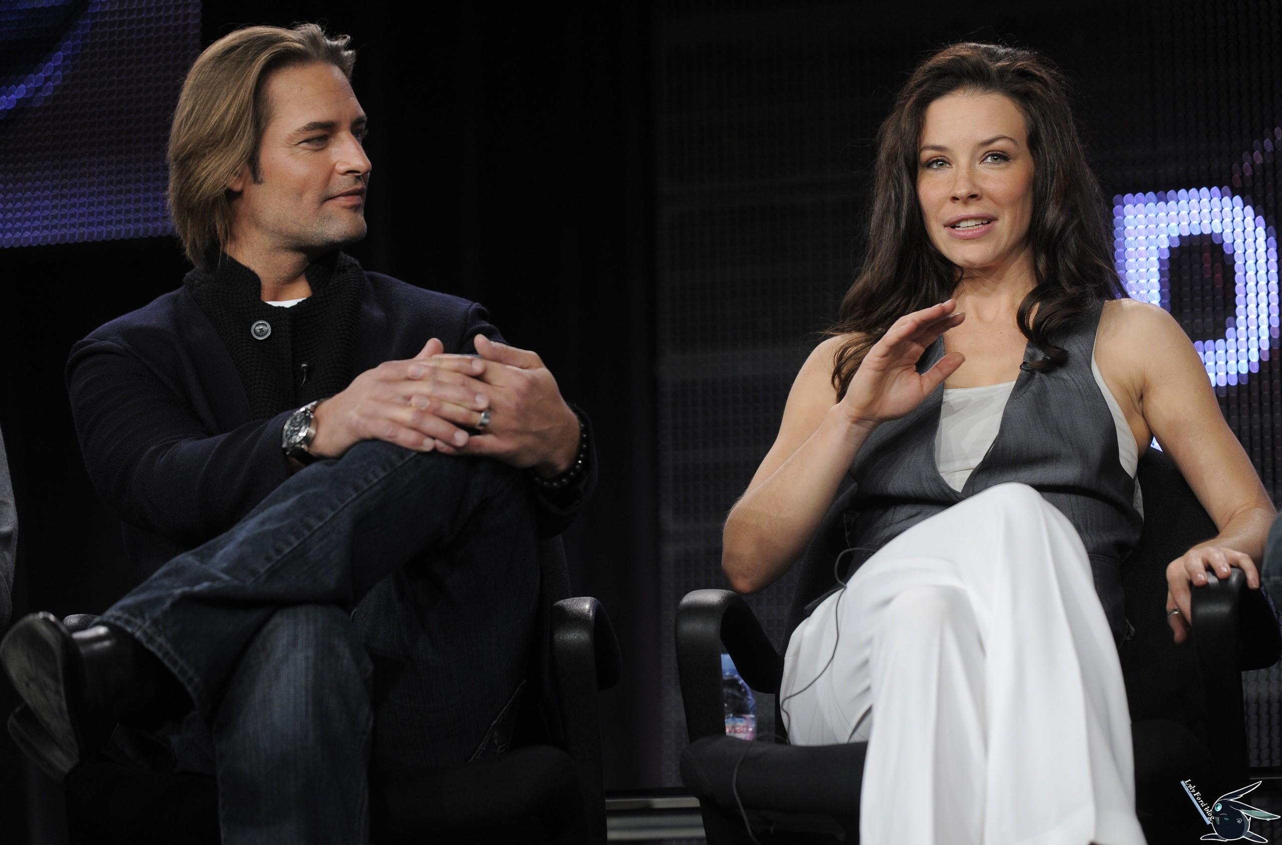 Evangeline lilly and josh holloway