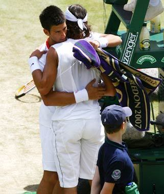 rafa embrace novak