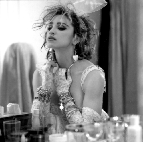 1984- Madonna sejak Steven Meisel for Like a Virgin Cover Album Session