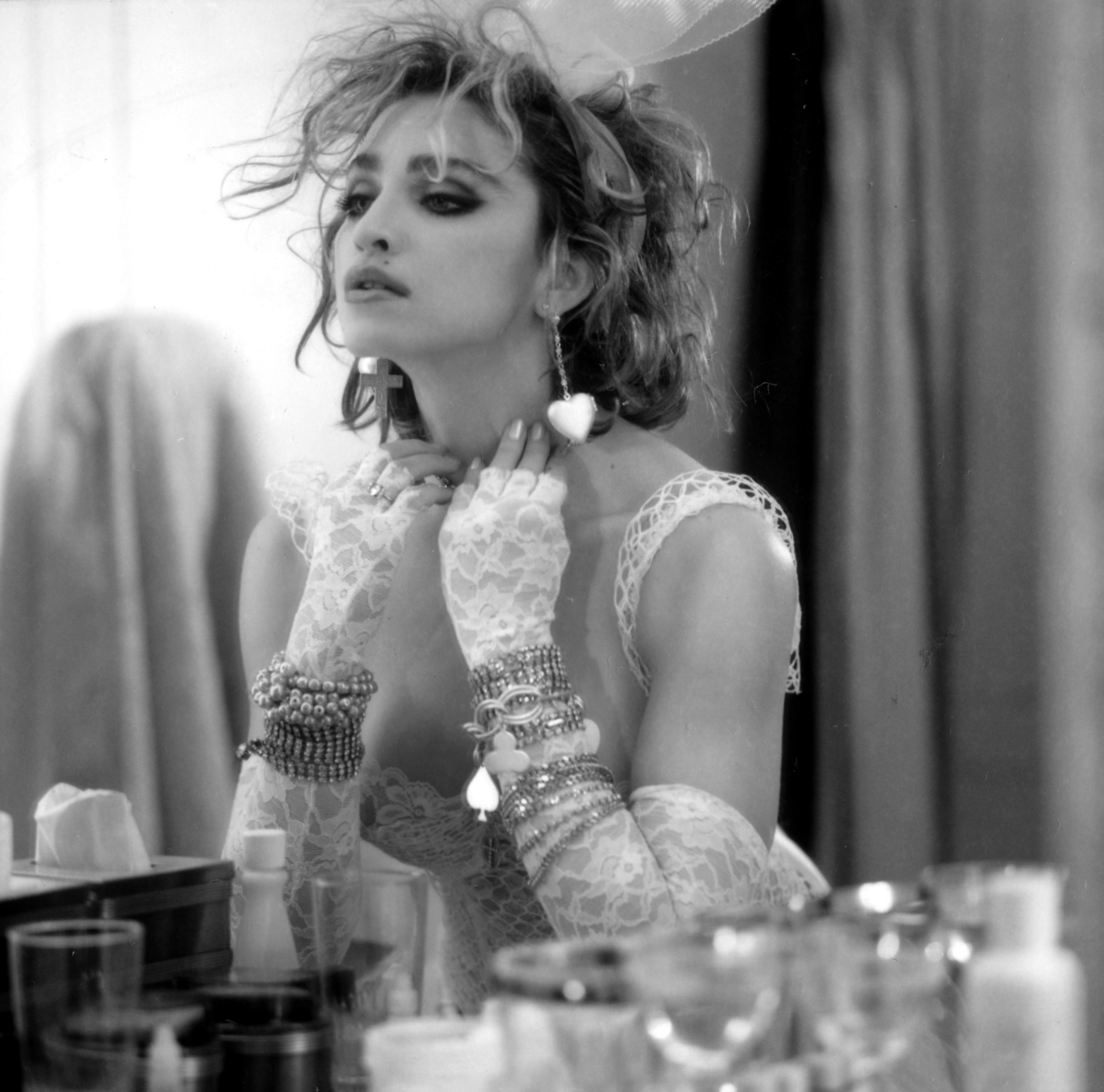 1984- Madonna par Steven Meisel for Like a Virgin Cover Album Session
