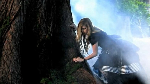 Avril Lavigne: foto from the 'Alice' Musica video photoshoot