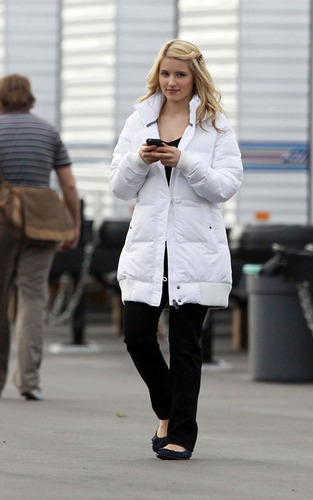 Dianna on set of glee/グリー - January 29th