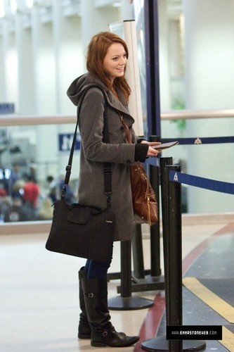 Emma @ LAX Airport - January 23, 2010