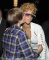 JB kissing Rihanna!