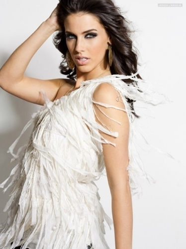 Jessica Lowndes Обои entitled Jessica Lowndes Photoshoot (2009)