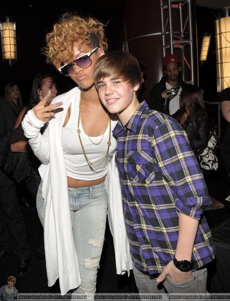 justin bieber grammys 2010. Justin Bieber and Rihanna