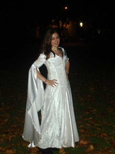 Kahlan's Confessor Costume