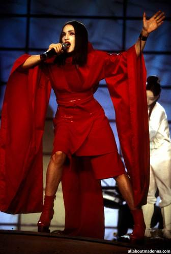 madonna performing 'Nothing Really Matters' at the Grammy Awards (February 24 1999)