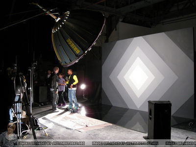 "Musik Videos > 2010 > On The Set Of ""Baby"""
