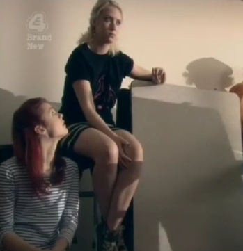 Naomi & Emily 4x01