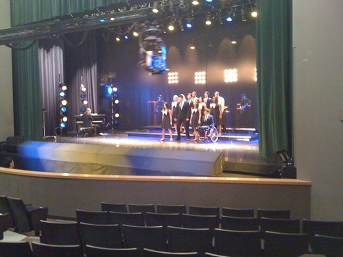 New Directions Back On Stage