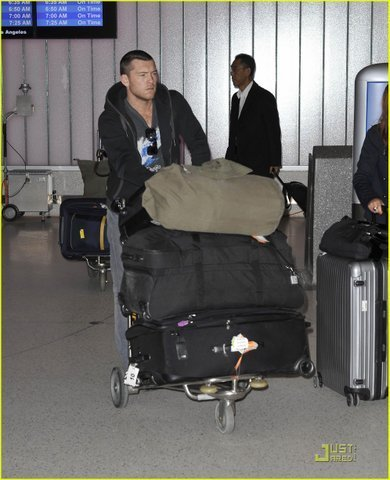 Sam arrives with Natalie Mark on LAX Airport (January 27)
