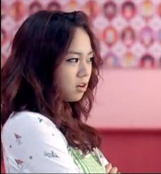Seoung yeon in wanna MV