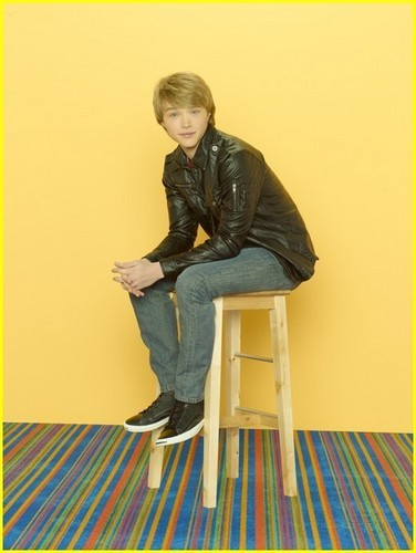 Sterling Knight wallpaper titled Sonny With a Chance season 2 - Sterling Knight