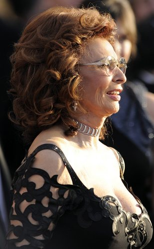 Sophia Loren wallpaper entitled Sophia Loren - 16th Annual Screen Actors Guild Awards in Los Angeles (HQ)