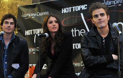 TVD cast tour