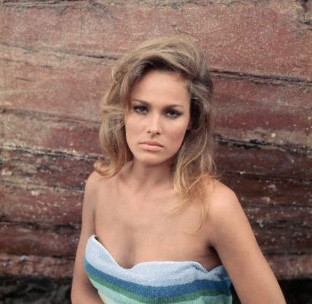 Ursula Andress - classic-movies Photo