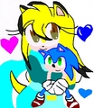 im holding a sonic dall