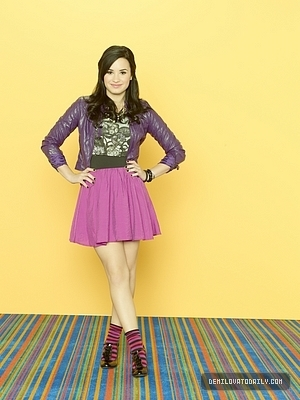 Demi Lovato wallpaper entitled sonny with a chance