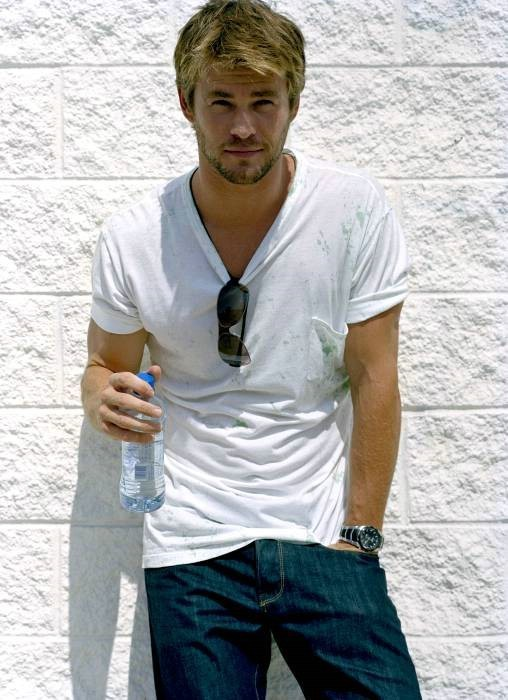 2009 - The Sunday Times Magazine - chris-hemsworth photo