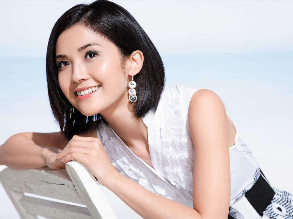 Charlene Choi Nude Photos 21